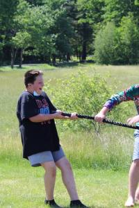 210617-Field-Day-IMG 0095-Smile-Tug-of-War-Crop-A